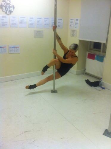 Beginner hook leg spin